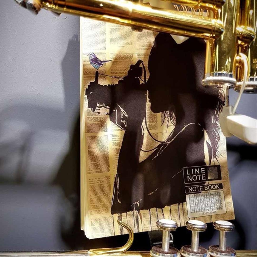 تصویر دفتر نقاشی 80 برگ لاین نوت طرح دختر 2
