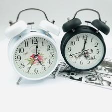 تصویر ساعت رومیزی زنگ دار